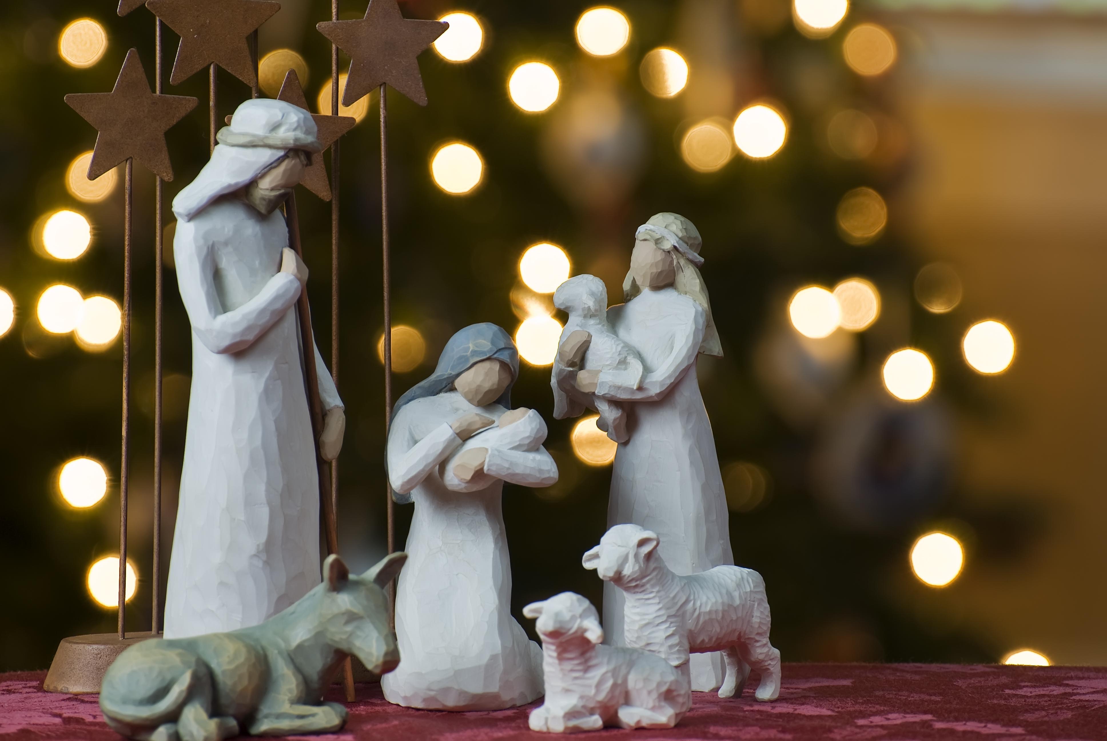 Nativity_tree2011 (1)